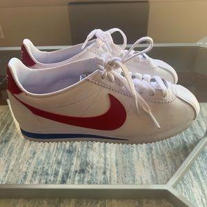 Nike Cortez Basic Leather shoe-size 6.5